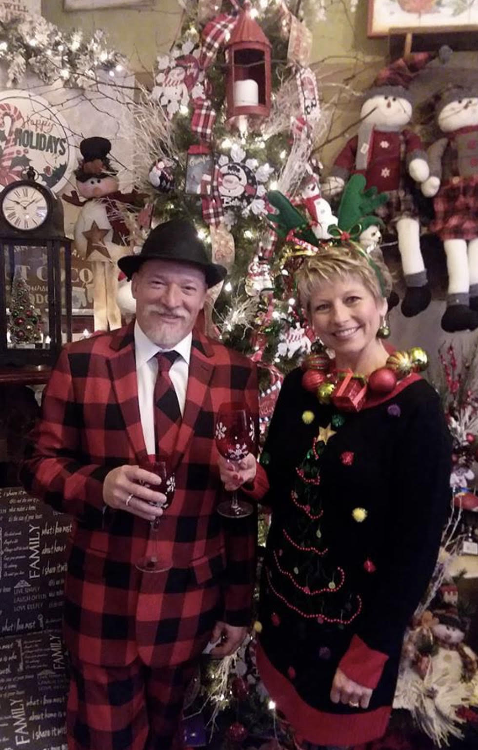 """Flowers from the Heart and Wabeno Area Players Team Up for Murder Mystery Scholarship Fundraiser """"A Mafia Murder Christmas Party"""""""